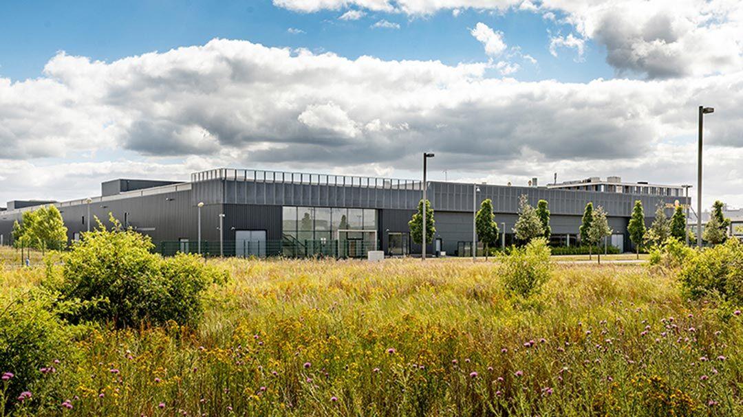 Realogis berät Meyer Burger bei neuem Produktionsstandort im Solar Valley