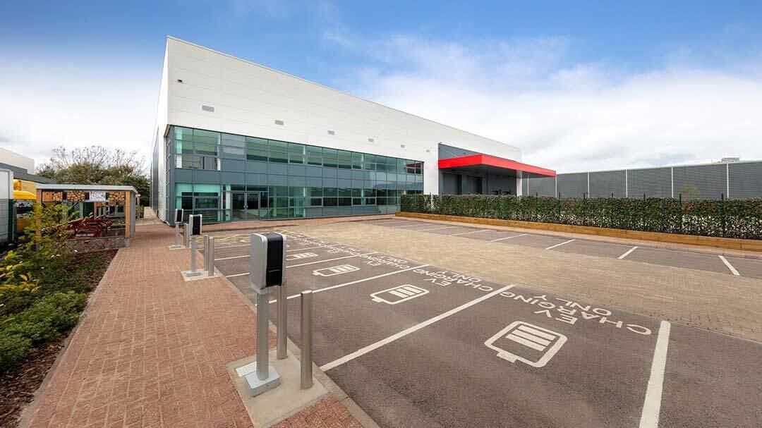 Segro nimmt Betrieb von CO2-neutralem Logistik- und Gewerbepark in London auf
