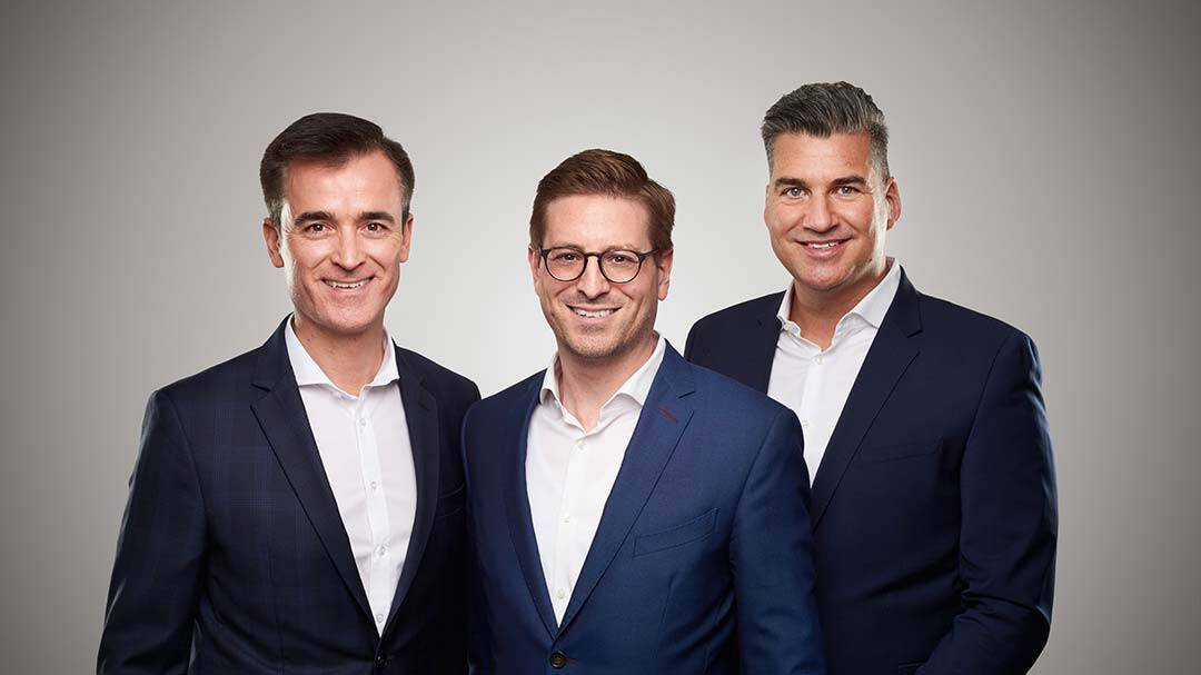 Wolfgang Speer, Julius Bender und Peter Kunz gründen die Lang & Cie. Industrial AG